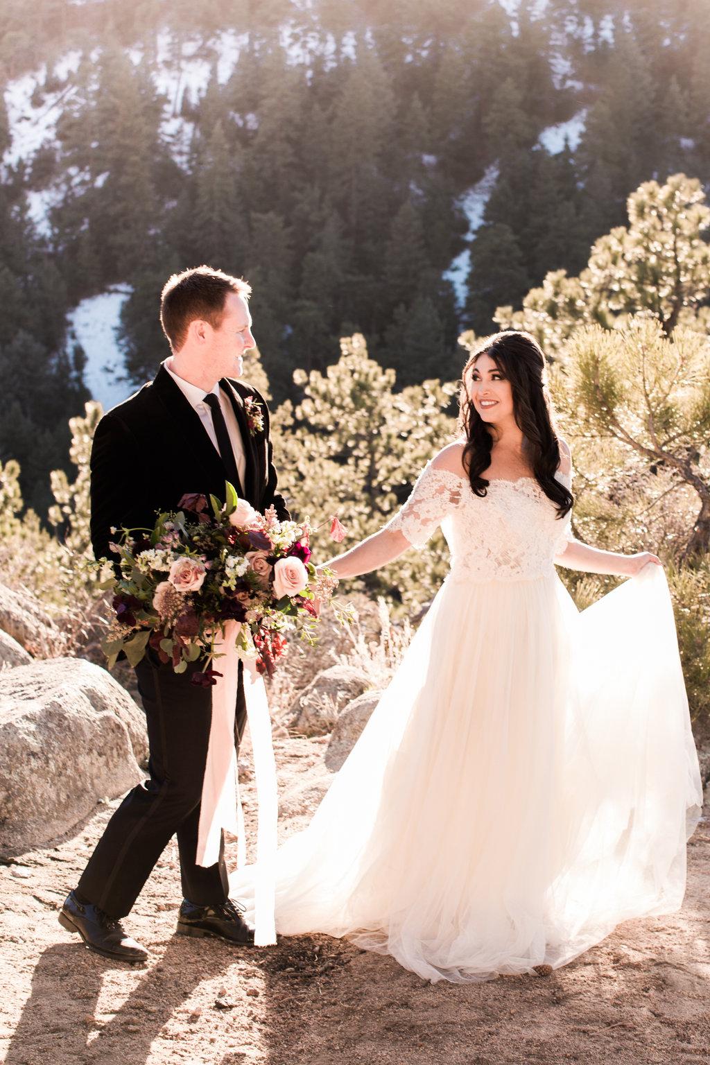 colorado_mountain_wedding_first_look.jpg