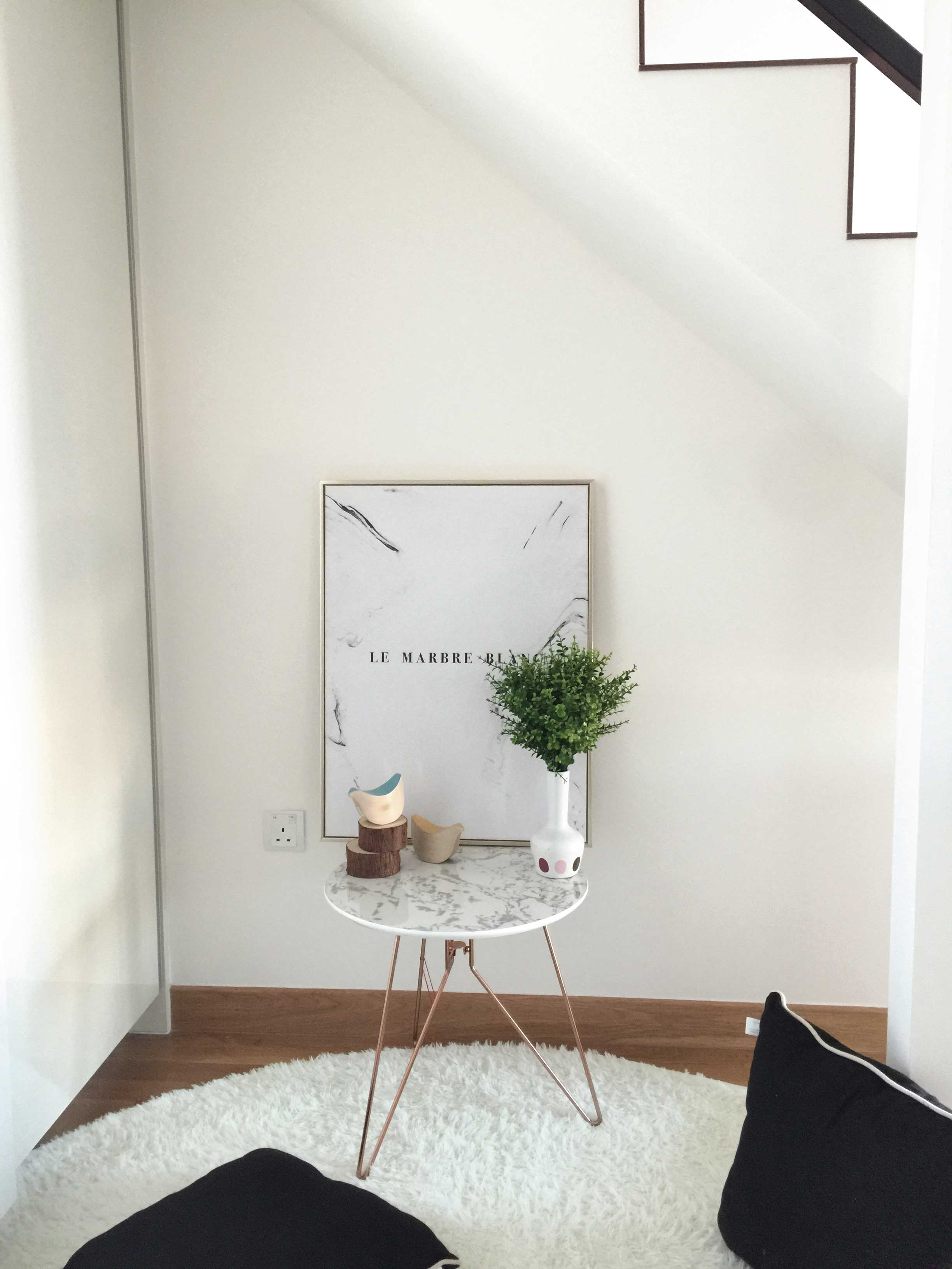 A cosy little corner below the loft that is versatile enough to be a makeup area, a walk-in wardrobe and more…
