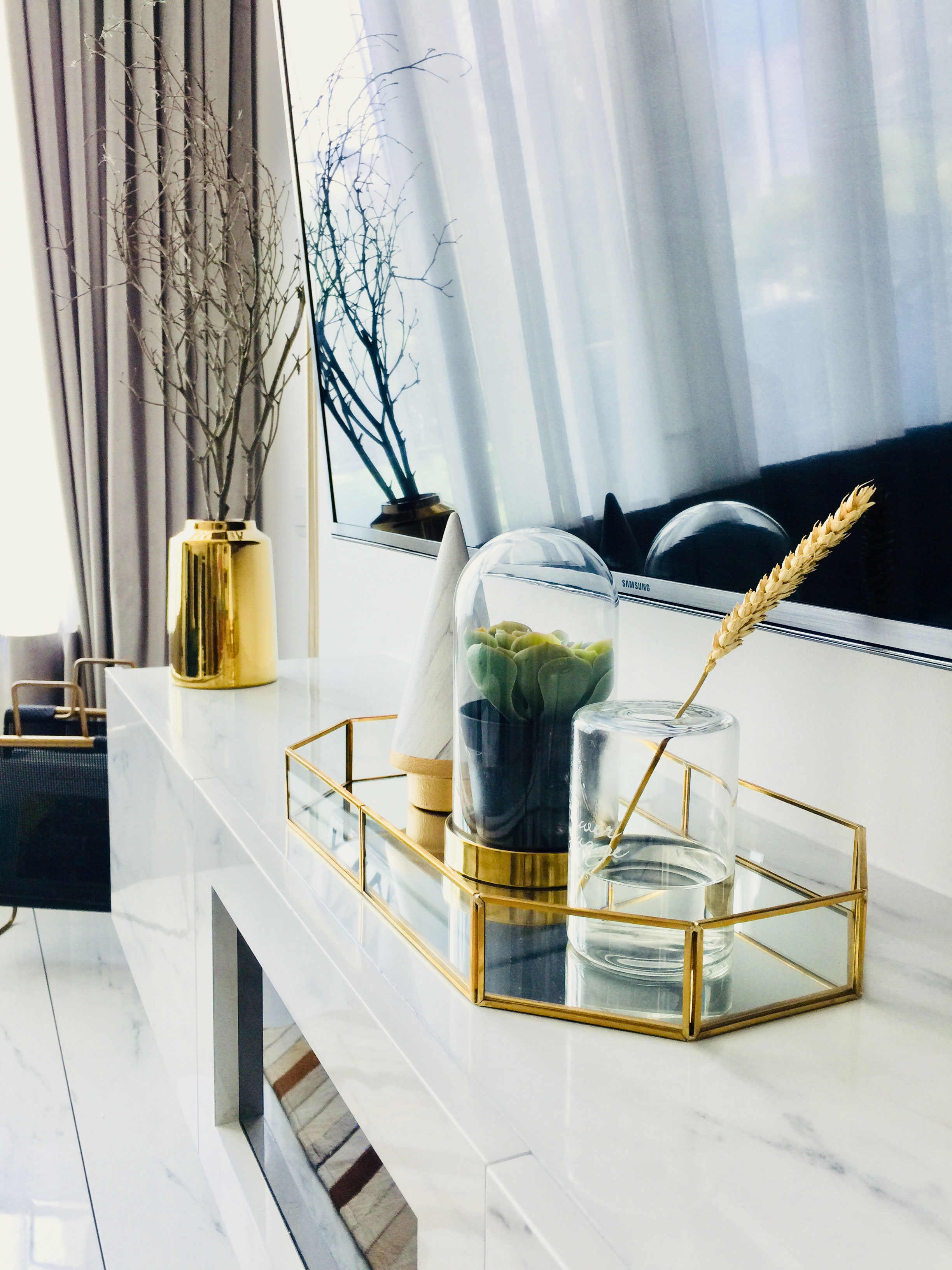 Decor accessories give the space its opulent touch.