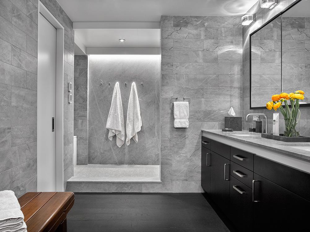 07_tribeca_park_front_loft_master_suite_master_bathroom.jpg