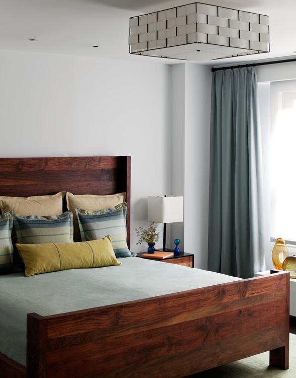 05_wunderground_duane_park_loft_master_bedroom.jpg