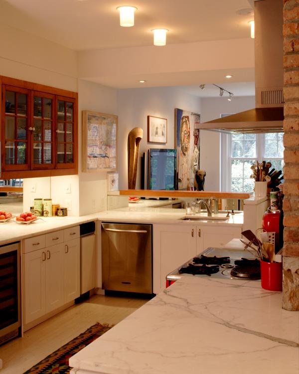 04_wunderground_soho_historic_townhouse_kitchen.jpg