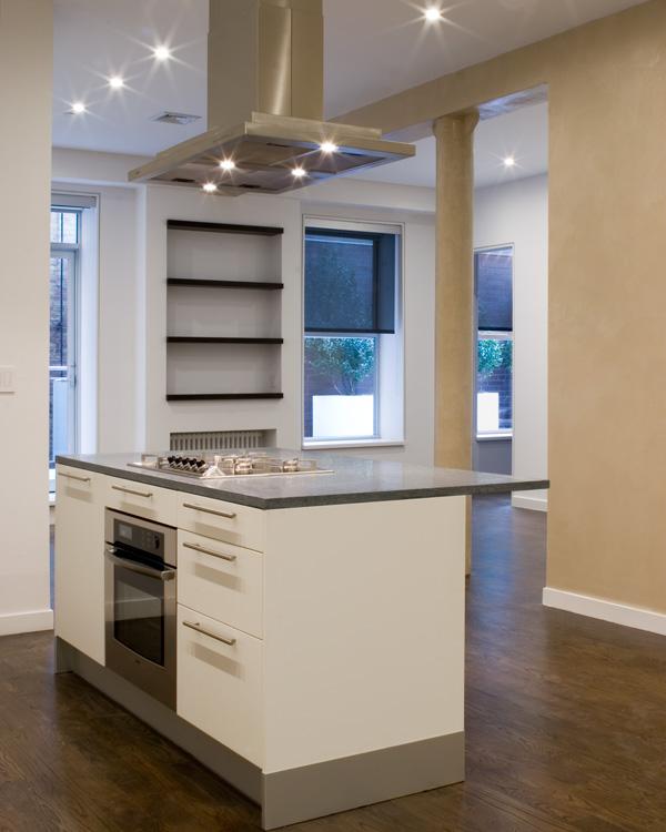 04_wunderground_chelsea_apartment_kitchen.jpg