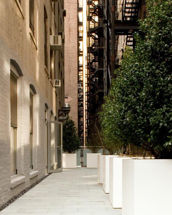 06_wunderground_chelsea_apartment_outdoor_terrace.jpg