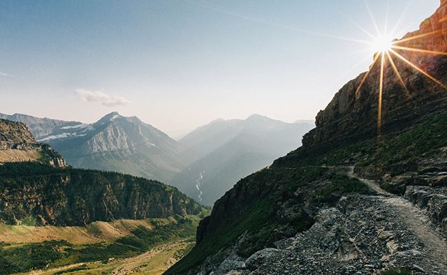 Missing this place... All of these were taken on the same hike! • • • • #montana #montanamoment #glaciernps #glaciernationalpark #globalshots #earthfocus #photooftheday#artofvisuals #natgeo #nationalparkgeek #wildernessnation #mtbigskyseries #greatnorthcollective#stayandwander #vsco #vscocam #bigskycountry #nationalpark #northwestisbest