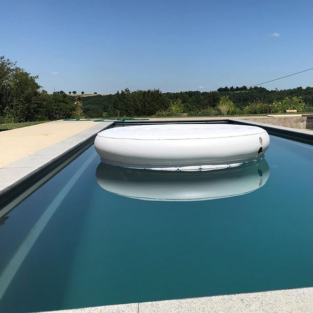 Latest pool floatel from @inflateglobal @inflate001