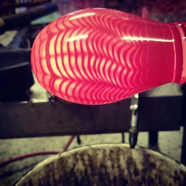 Painted in vermilion and the unbreakable net. Another night in the studio building work for the summer.  #glassblowing  #gatherglass #art #craft #rhodeisland #providence #wekeepitrolling