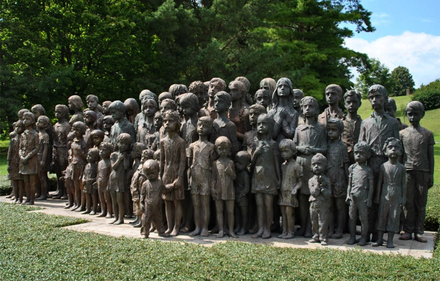 Lidice_Memorial_2010_ children monument16.jpg