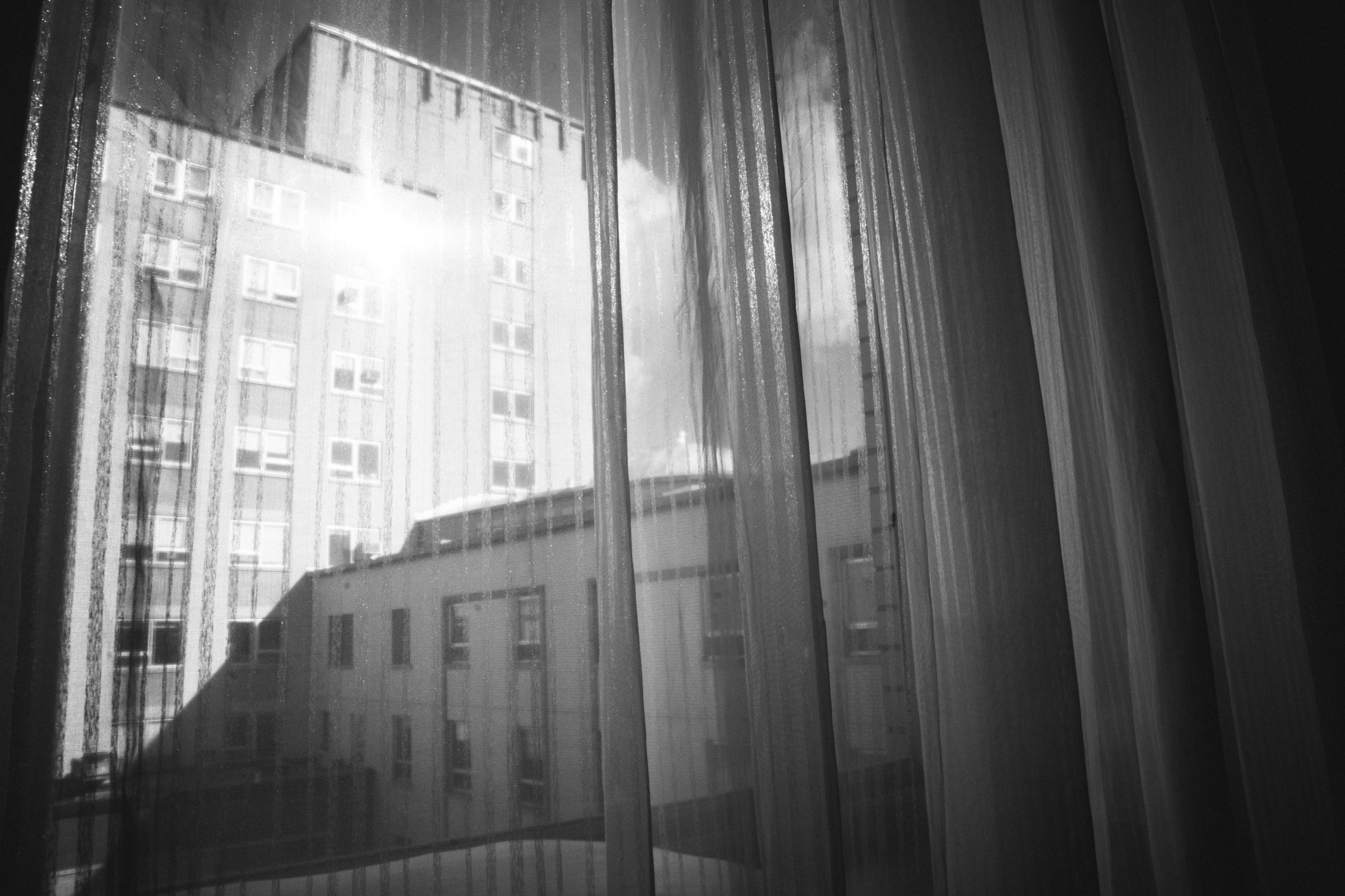 photo-de-nouveau-ne-a-l-hopital-fresh-48_photographie-noir-et-blanc-photographe-de-famille-lifestyle-enfant-montreal-12.jpg