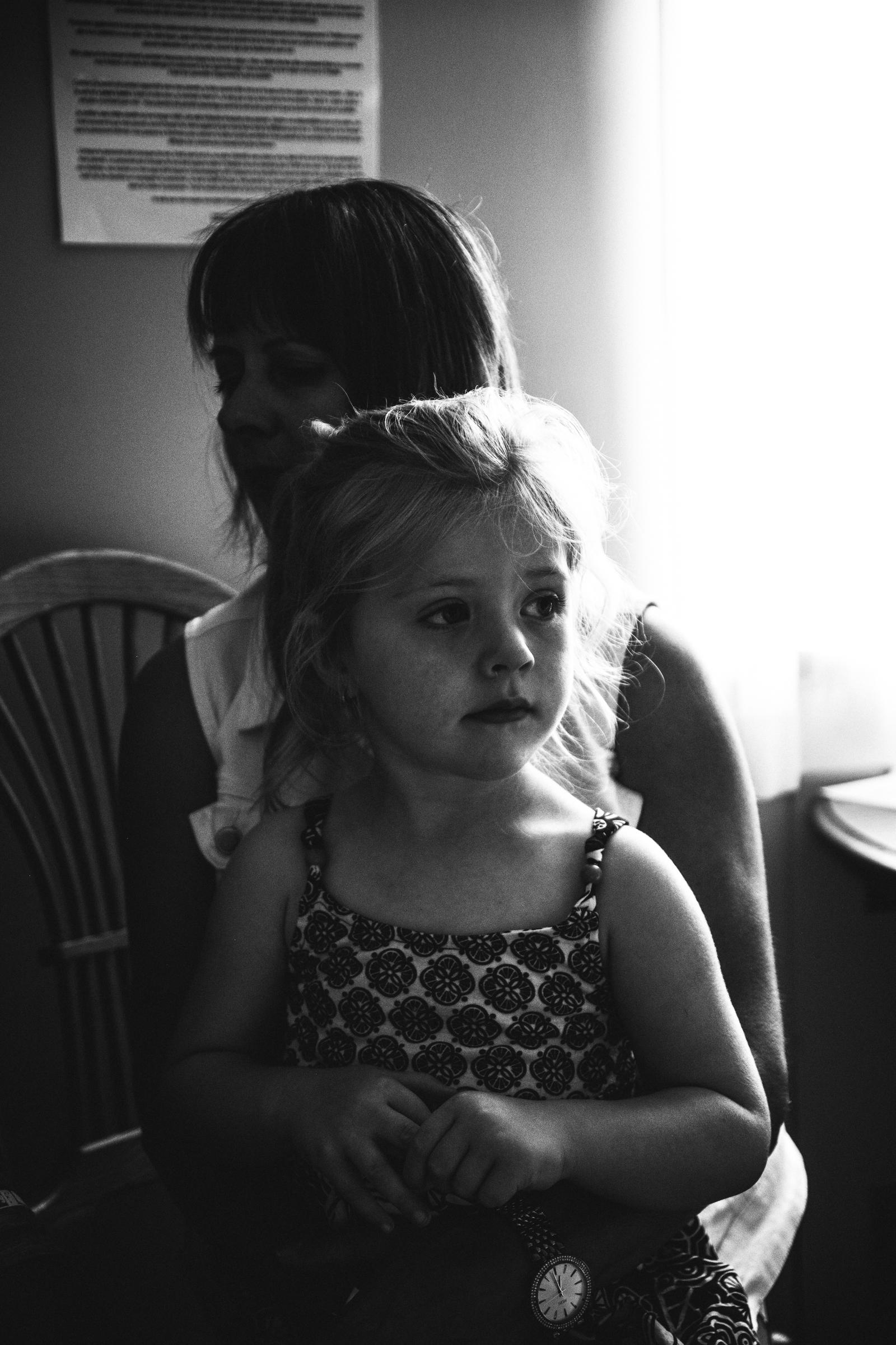 photo-de-nouveau-ne-a-l-hopital-fresh-48_photographie-noir-et-blanc-photographe-de-famille-lifestyle-enfant-montreal-36.jpg