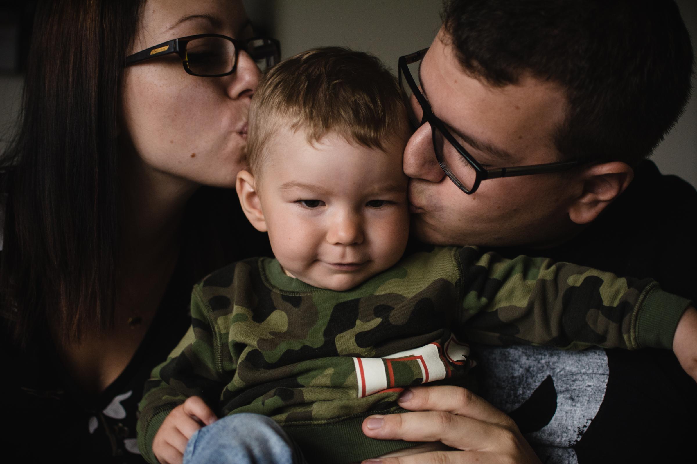 photo-bisou-photographe-de-famille-a-domicile-montreal-victoriaville-enfant-lifestyle-41.jpg