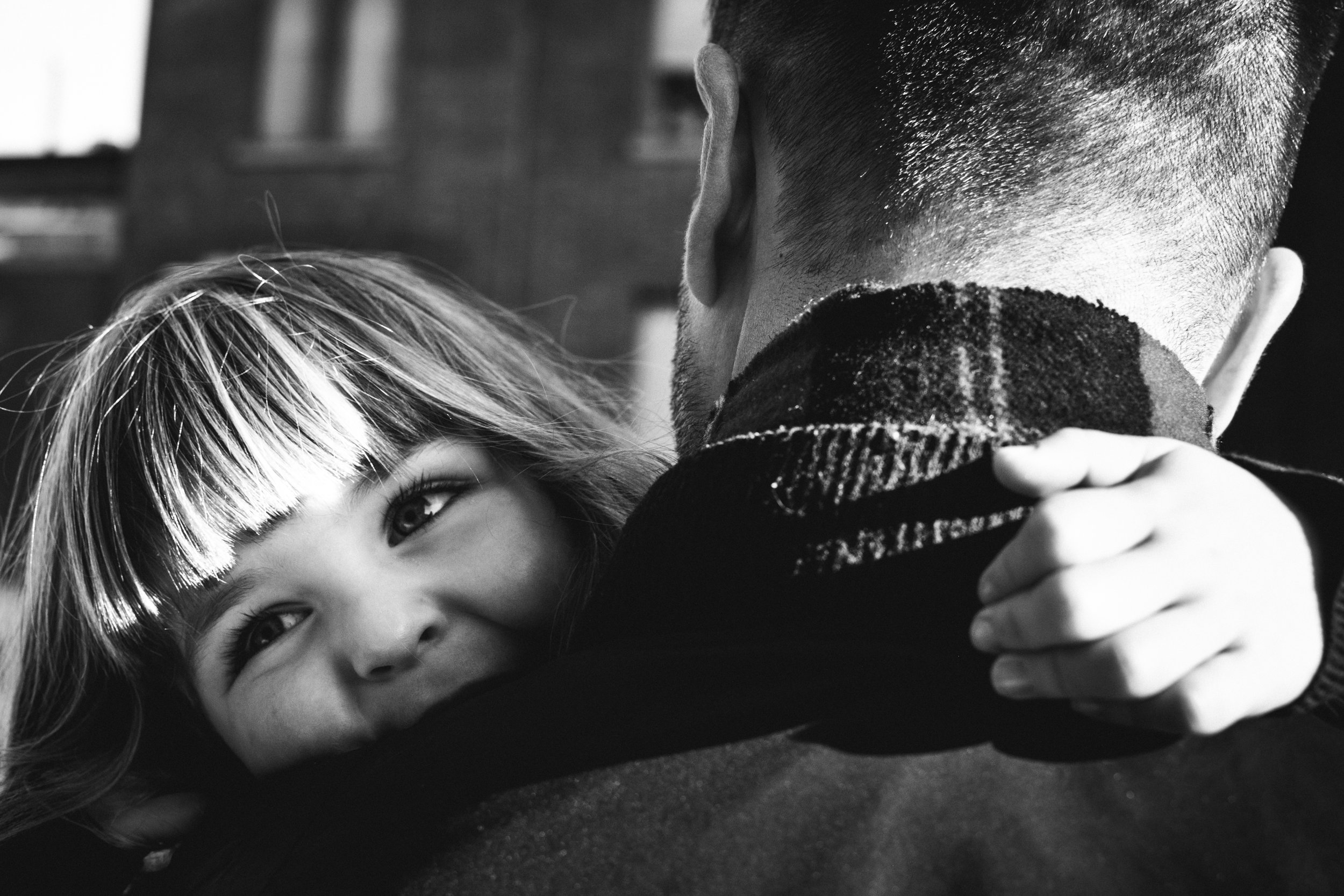 photo-d-une-famille-montrealaise-heureuse-en-atuomne-a-outremont-photographe-enfant-montreal-20.jpg
