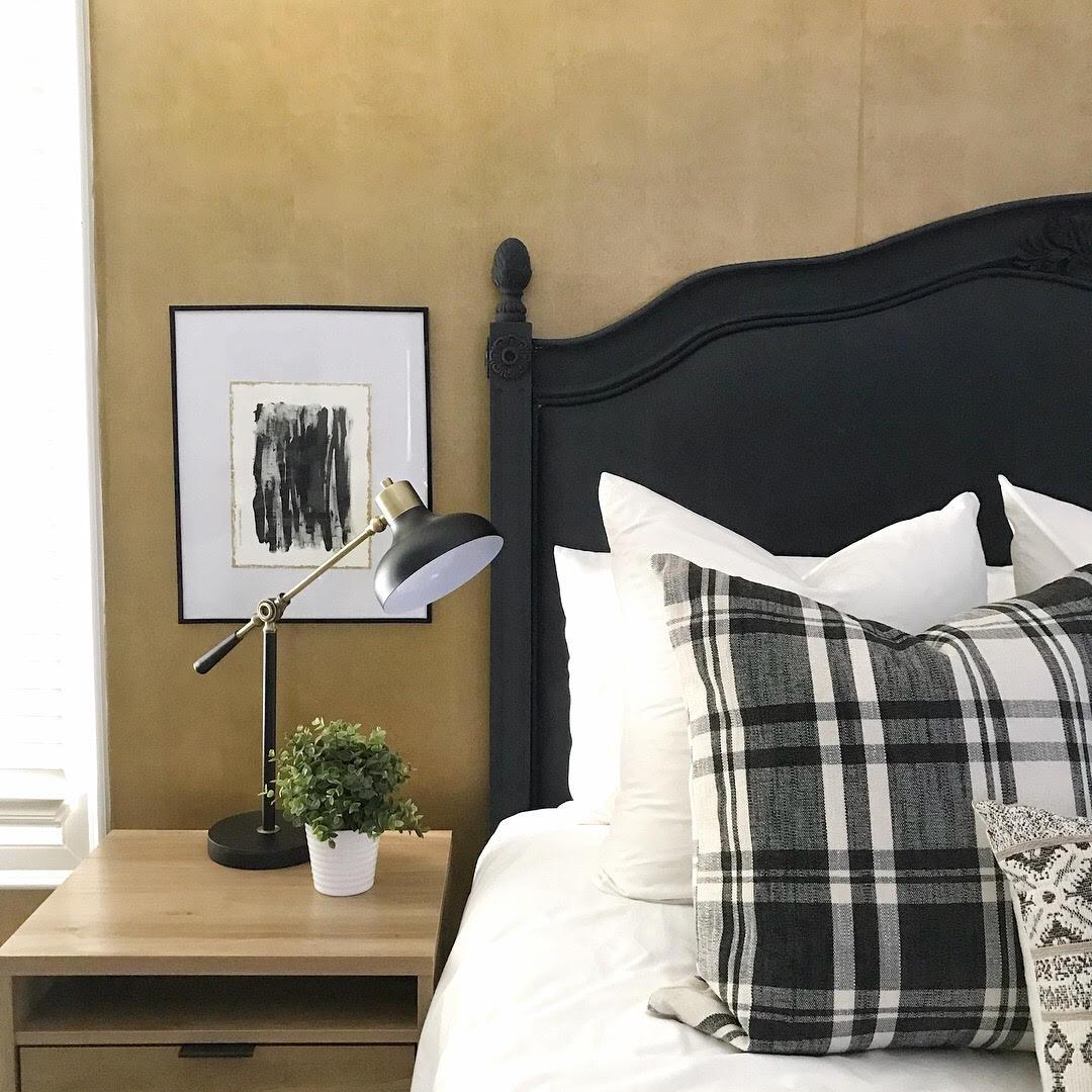 Deena Knight Designs  with  Leslie Poteet Busker