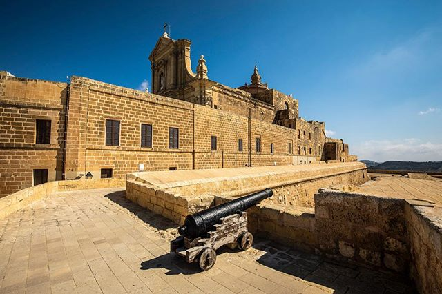 #tbt to the summer but even Autumn in Gozo with beautiful and historical locations is fabulous. Such an amazing place, don't you agree? . .  #travel #landscapes  #nature #lovemalta #lovegozo  #hotel #lovinmalta  #boutiquehotel #luxury #luxuryhotel  #gozoisland #malta #wanderlust #homehotel  #37gozo #thirtysevengozo  #hiphotels  #gozomalta #holiday #vacation #visitgozo  #maltagozo  #gozo  #ilovetravel  #visitmalta  #beautifulhotels #islandlife