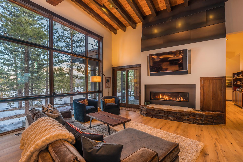6-Lahontan-Home-468-Livingroom.jpg