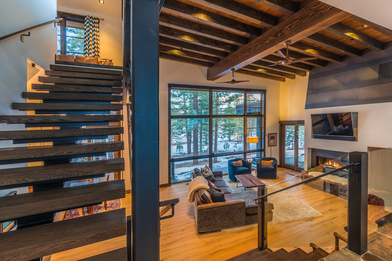 10-Lahontan-Home-468-Entry-Stairs.jpg