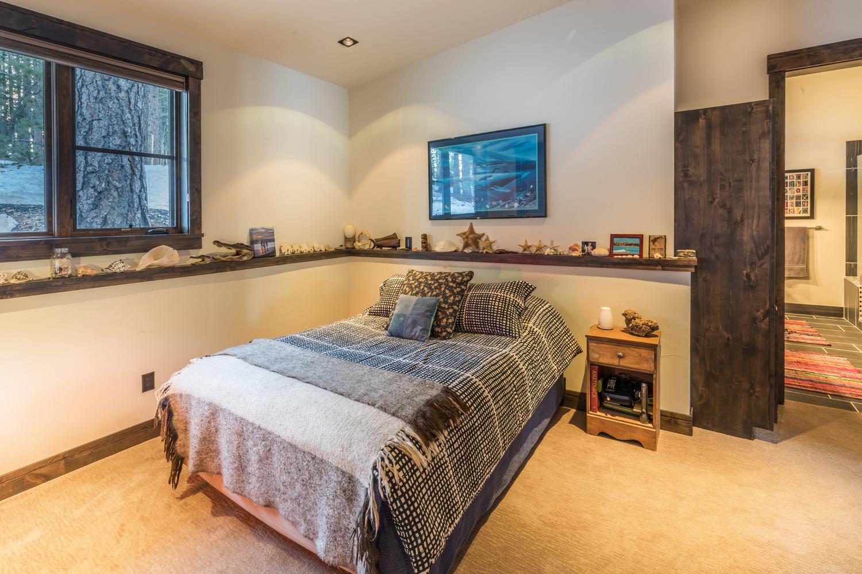 13-Lahontan-Home-468-bedroom-1.jpg