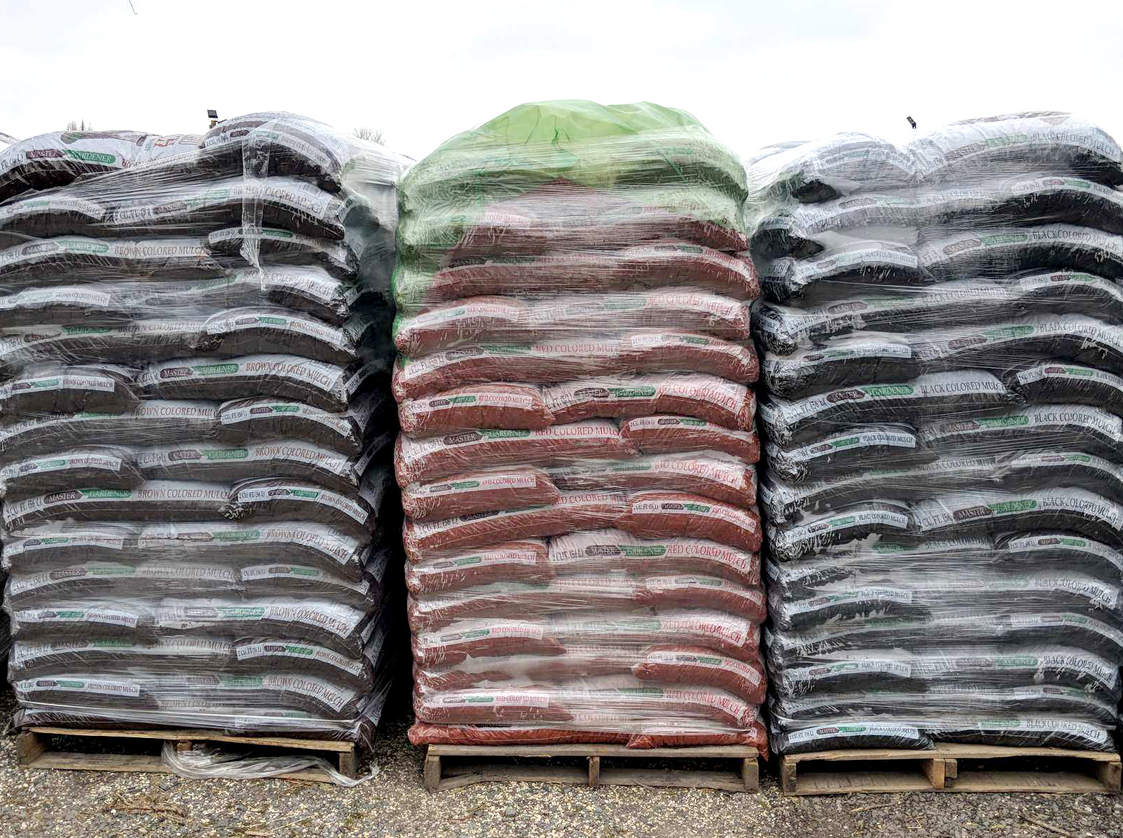 Mulch-Reston-Farm-Market-02.JPG