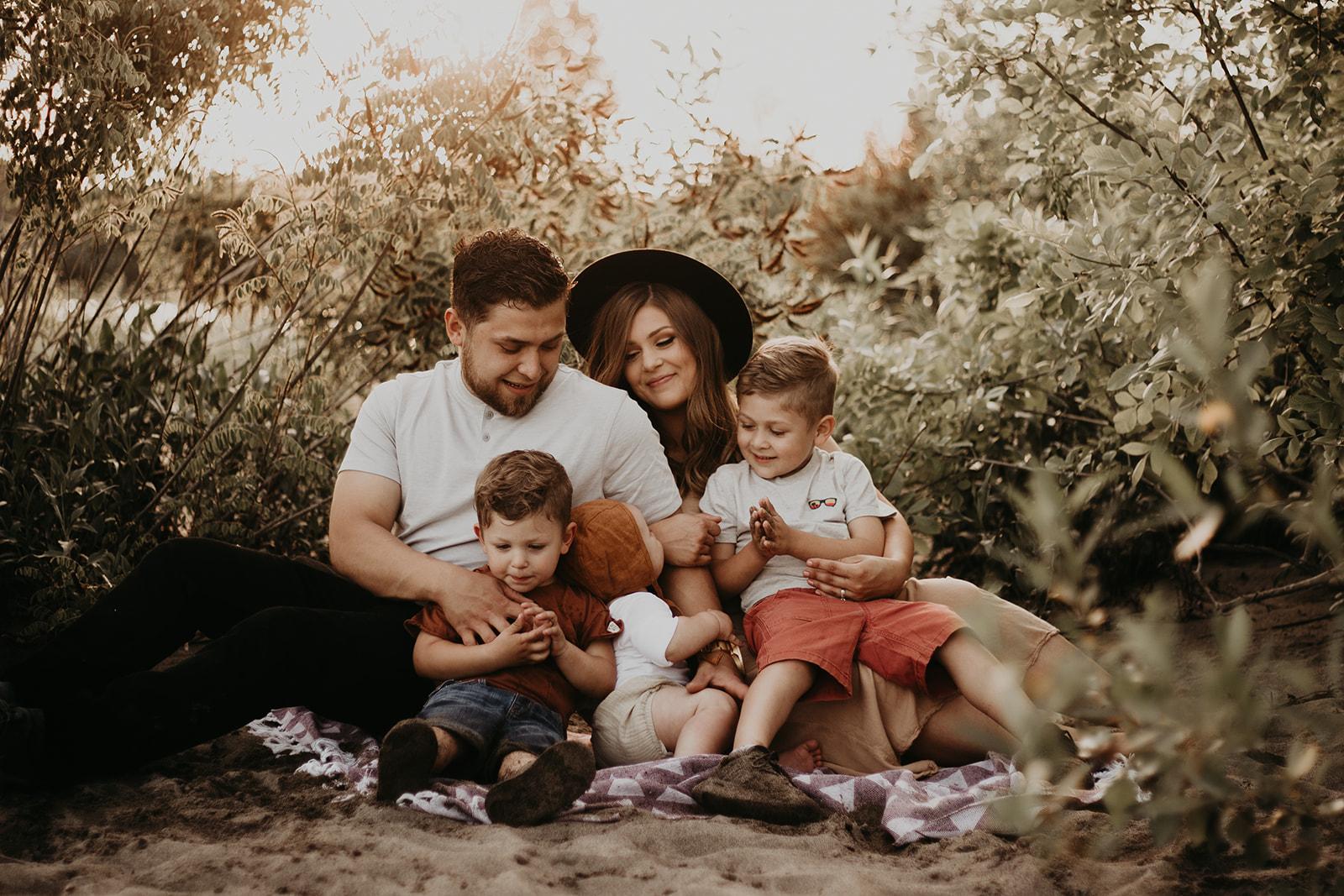 Ramirez-Family-Session-Beach-River-Moody-Mama-4792.jpg