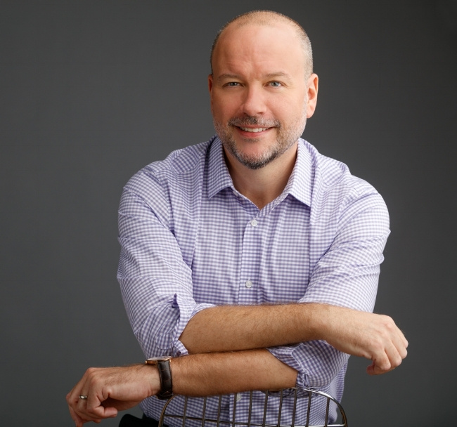 Richard Brouillette is a Licensed Clinical Social Worker has received training on providing mental health care with a focus on the social context of individual mental health.