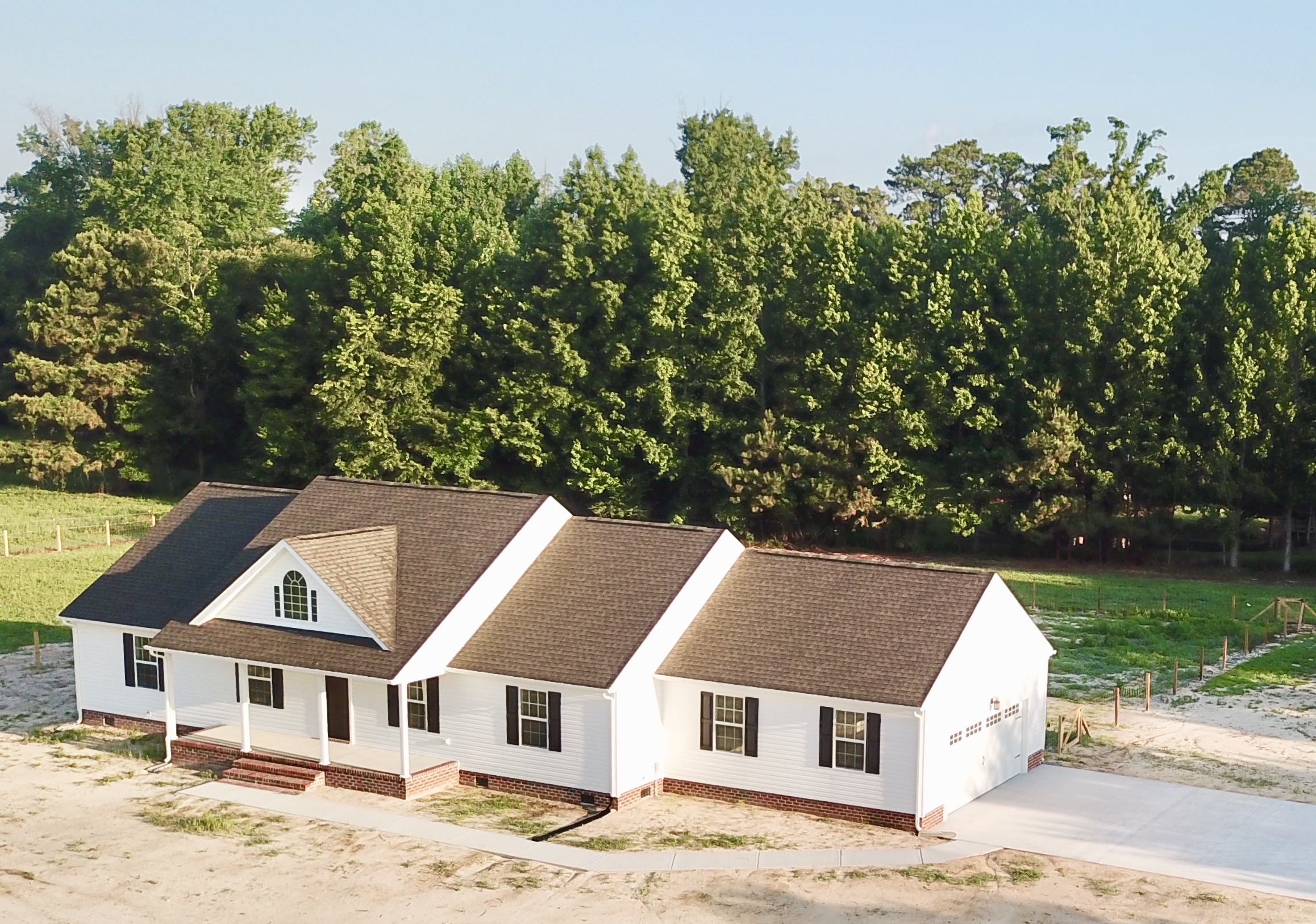 2382 CHERRY GROVE RD - NEW CONSTRUCTION ON 7;55 ACRES WITH A POND AND CUSTOM BARN
