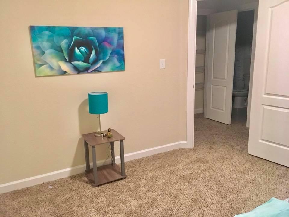 bedroom2:2.jpg
