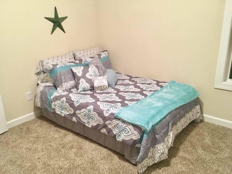 bedroom2:3.jpg