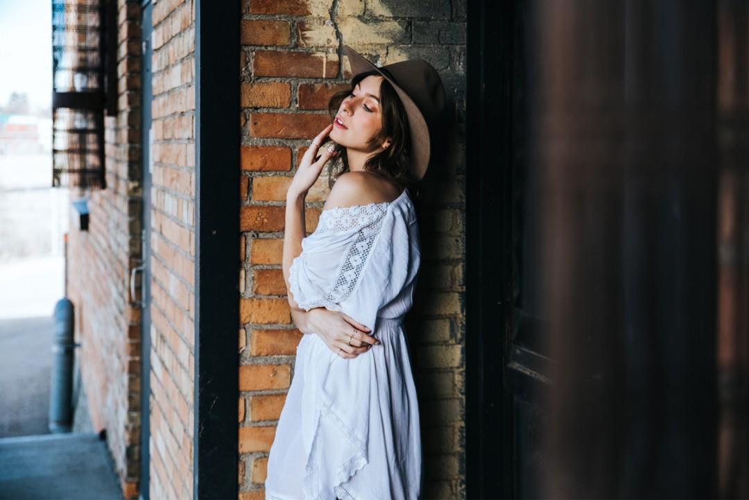 CalgaryPortraitPhotographer-SueMoodiePhotography-LifeSetSail-Dress-25-1080x721.jpg