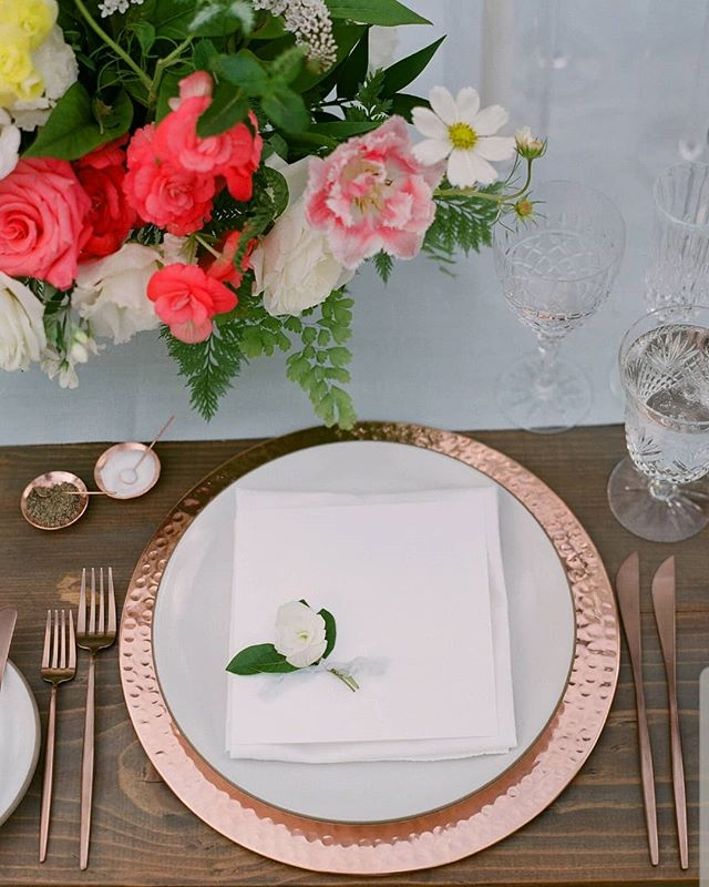 Beautiful details make all the difference.  Like these copper goodies from @casadeperrin 💫💫💫 Photography @michellebeller  Planning & Design @michelbevents  Venue @ojaivalleyinn Linens @latavolalinen Tables @elaneventrentals
