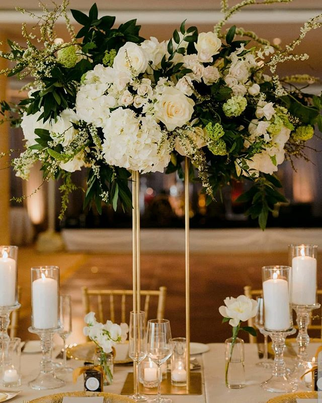 From a lovely May wedding @fssantabarbara 🌿🌿 Photography @alixann_loosle_photography  Planning & Event Design @magnoliaed  Rentals @brighteventrentals  Draping/Lighting @bellavistadesigns  Linens @bbjlinen . . . . #rockrosefloral #whitewedding #santabarbarawedding #luxurywedding #floralinspiration #weddingflowers #805wedding #centerpiece #modernbride #biltmore #weddingdecor #tablescapes #designinspo #santabarbaraweddingflorist #tallcenterpieces #modernwedding