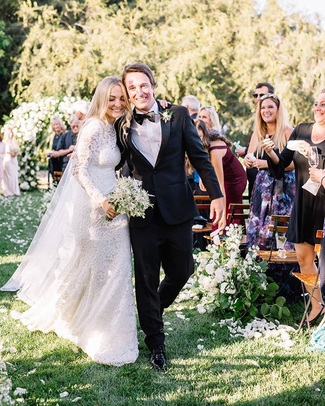 These two and their gorgeous garden wedding via @magnoliaed are featured on @weddingchicks today 🌿🌿🌿 One for the books! Photography @megsorel  Event design and planning @magnoliaed  Dress @oscardelarenta  Beauty @teamhairandmakeup . . . . . . . #rockrosefloral #weddingday #santabarbarawedding #modernbride #luxurywedding #santabarbaraweddingflorist #whitewedding #californiawedding #bridestyle #805wedding #weddingdetails #weddinginspo
