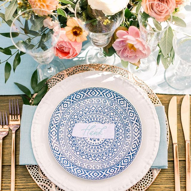 When you see your calligraphy embroidered onto fabric and it quickly becomes a favorite! 🤩 I love love the texture the embroidery creates. Shout out to @brannan_events for taking my writing to the next level with these awesome place cards. Also, how gorgeous is this table?! ❤️ . . Planning and design @brannan_events Photography @oliviarichardsphoto  Floral design @twfloraltruck  Rentals @encoreeventsrentals  Linens @latavolalinen  Venue @calistogaranch  Calligraphy @thebrightlinestudio . . . #placecards #escortcards #weddingdesign #sfwedding #bayareawedding #calligraphyplacecards #invitationsuite #stationerydesigner #pointedpen #bayareacalligrapher #bayareacalligraphy #dailydoseofpaper #calligraphycommunity #embroideredcalligraphy #weddinginvitations #moderncalligraphy #weddinginspiration #calligraphy #calligraphydaily #fineartcalligraphy #customcalligraphy #summerwedding #weddingdetails #stationerydesign #tabledecor #weddingcalligrapher #ribbonplacecards #bluewedding