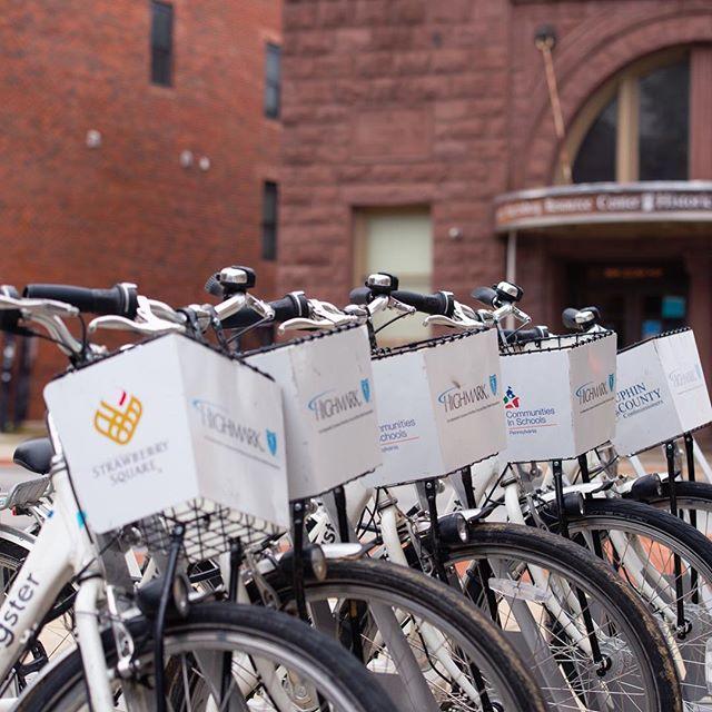 It's a bike huddle... Happy Saturday, hope you're enjoying it! #hbgbikes #webike4kids