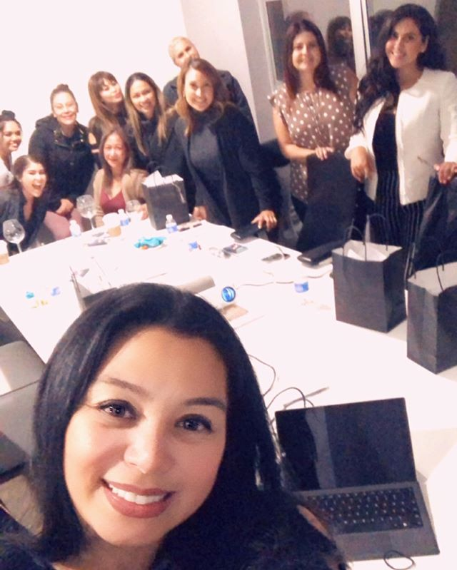 How blessed was I to be able to work with these powerful women on mindset, goal setting and profit?!?!? #BAEBusiness #gettingthingsdone #impacting #serving #blessed @aliolaes @raelynnerosales @island247girl @chashjen777 @sharon.aesthetics @joanna0998