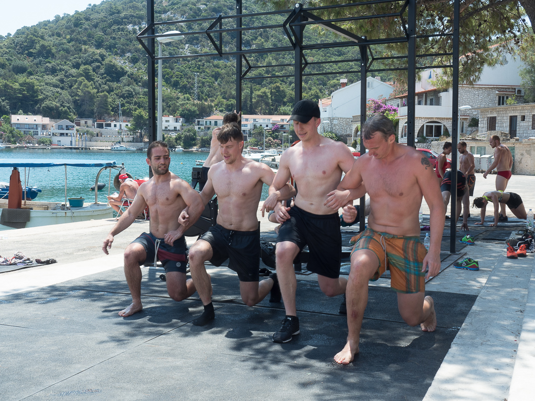 Synchro-Lunges