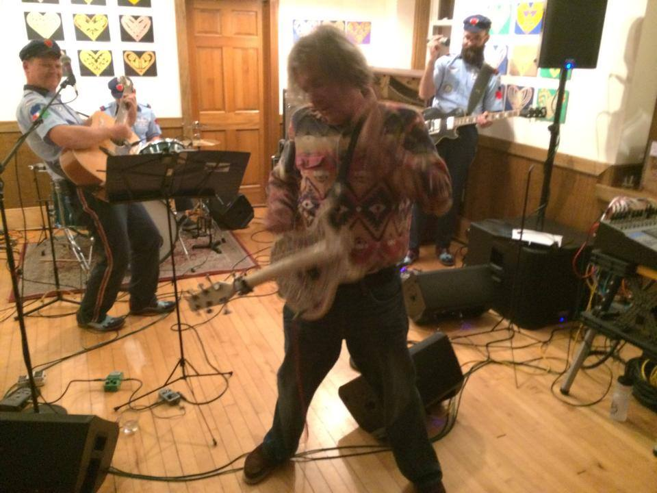 Jad Fair with Danielson live performance for SOLID GOLD HEART