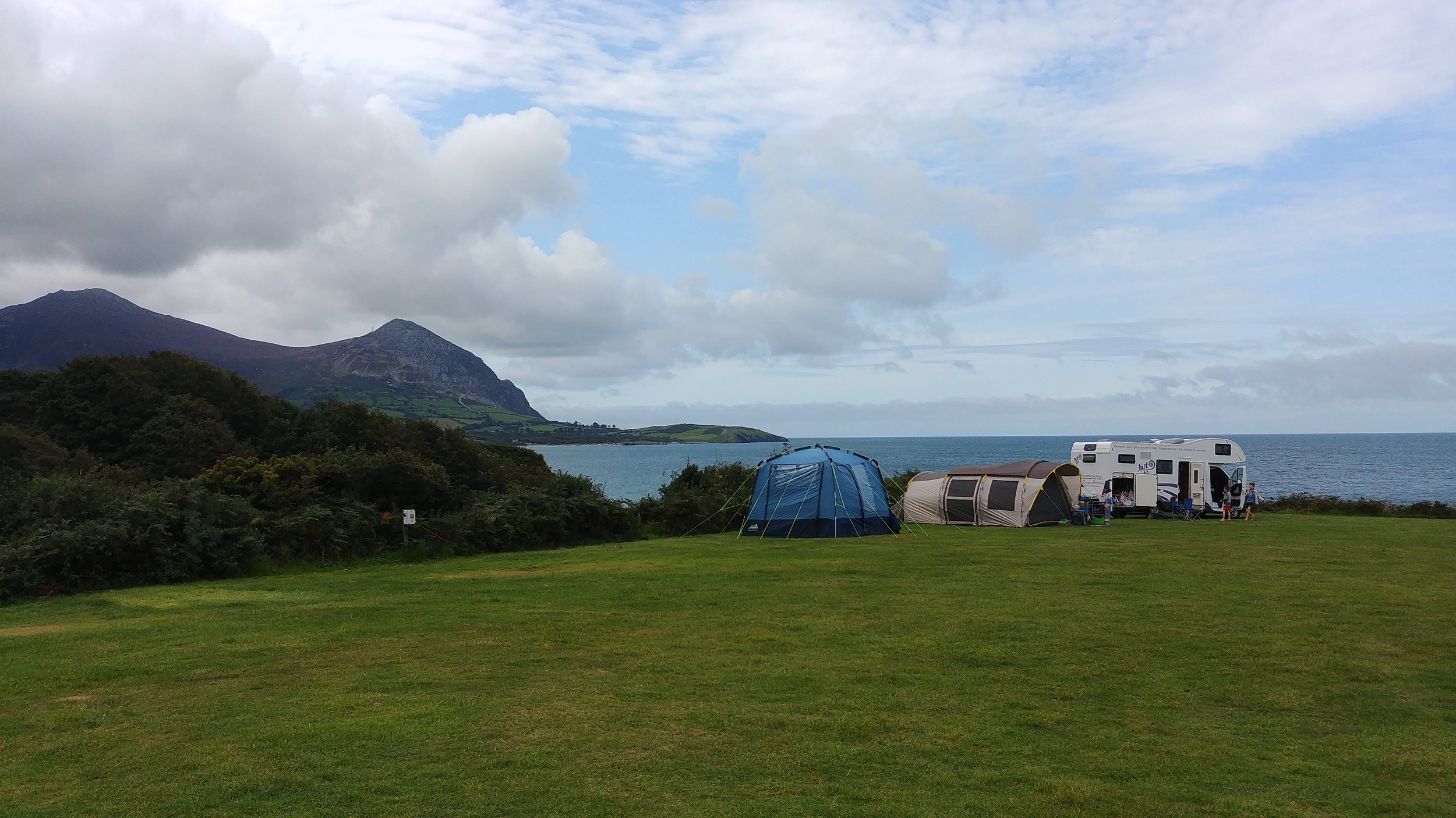 STN-Aberafon-Campsite-Sea-View