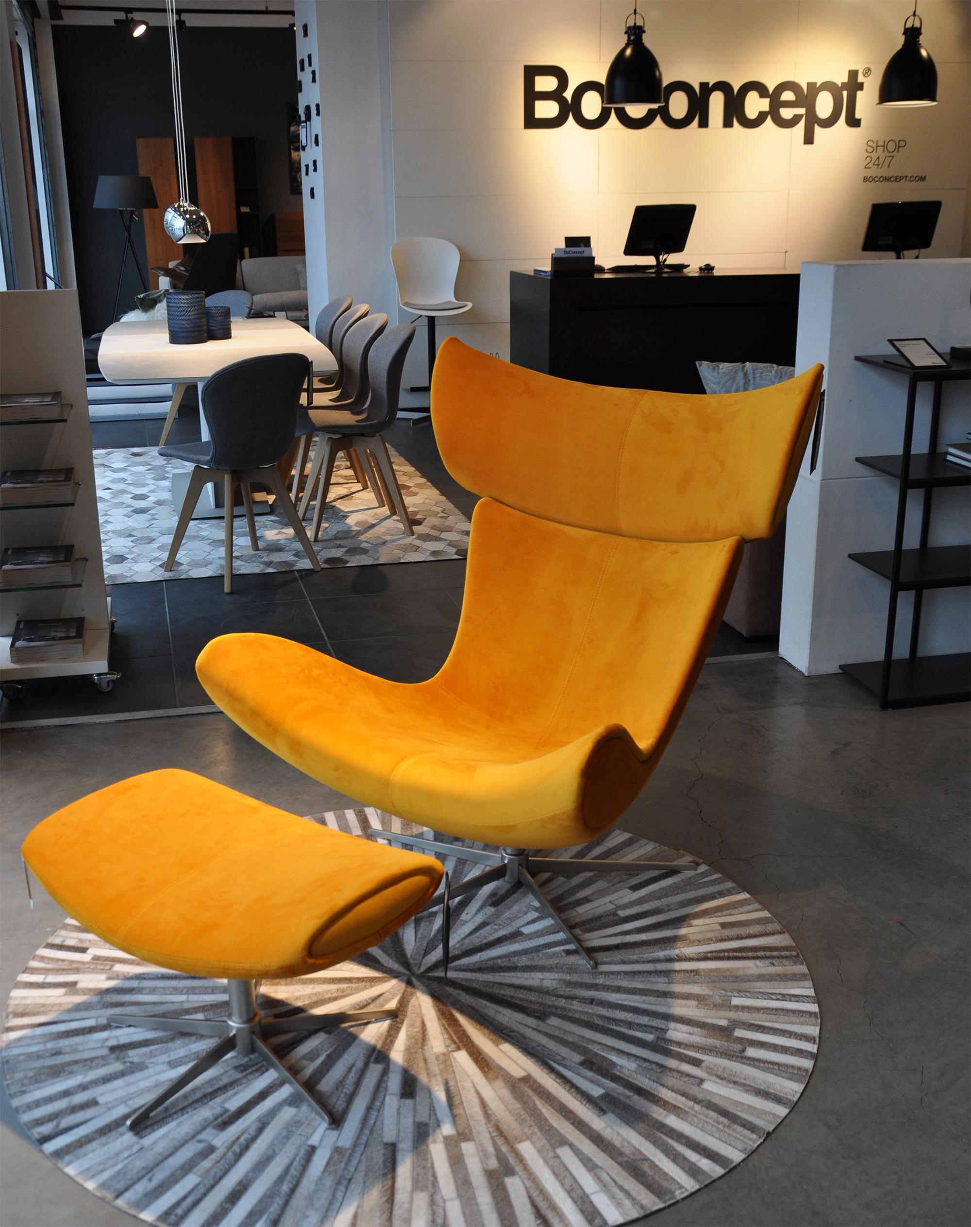 Imola chair  in Orange Velvet fabric,  Dimas rug .