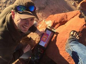 "Moab Sun News  //  Utah GeoTour    ""  High-tech scavenger hunting near Moab"""