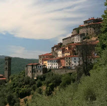 """VisitTuscany.com // (Geo) Tour around 10 ancient small towns in Valdinievole    """"A journey through history simply walking in the alleys, falling in love with ancient traditions and breathtaking views."""""""