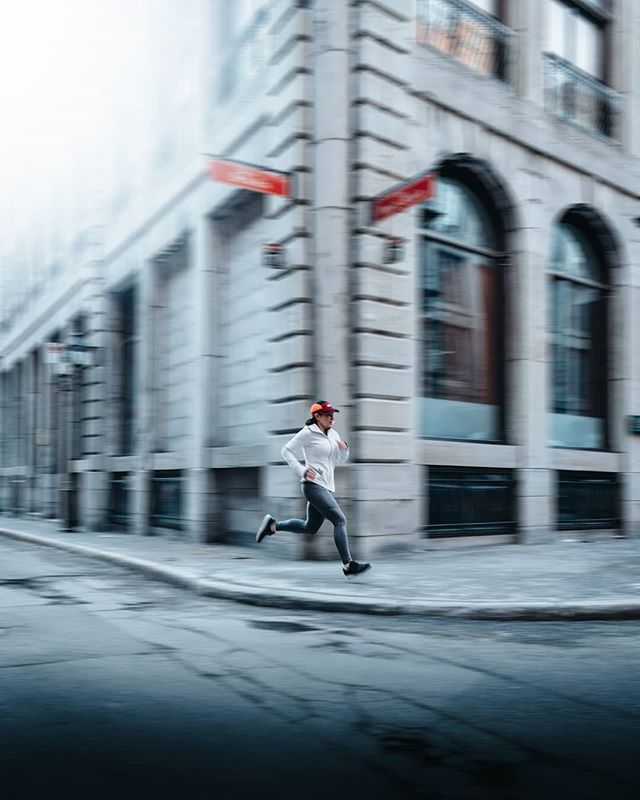 Recent work for @lululemonmtl. Nothing beats a sunrise photoshoot - the streets are empty, the light is soft and all you have to do is capture the athlete in its environment💯🤘🏻