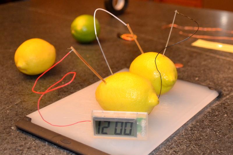 Lemon_battery_-_10_Feb._2013.jpg