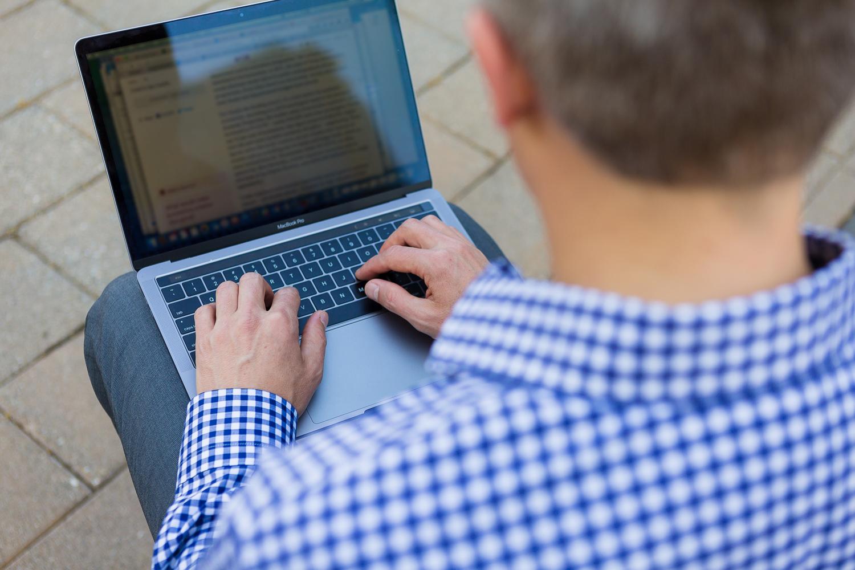 Ken Tupper Laptop.jpg