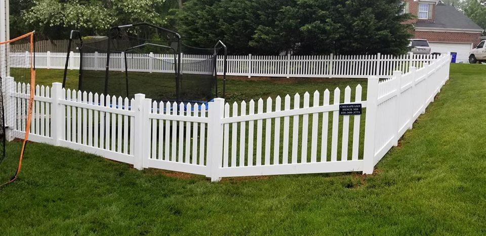 Short Vinyl Yard Fence