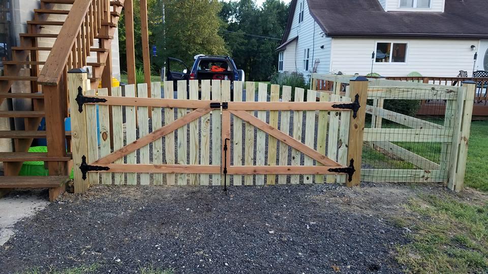 Wood Fence 17.jpg