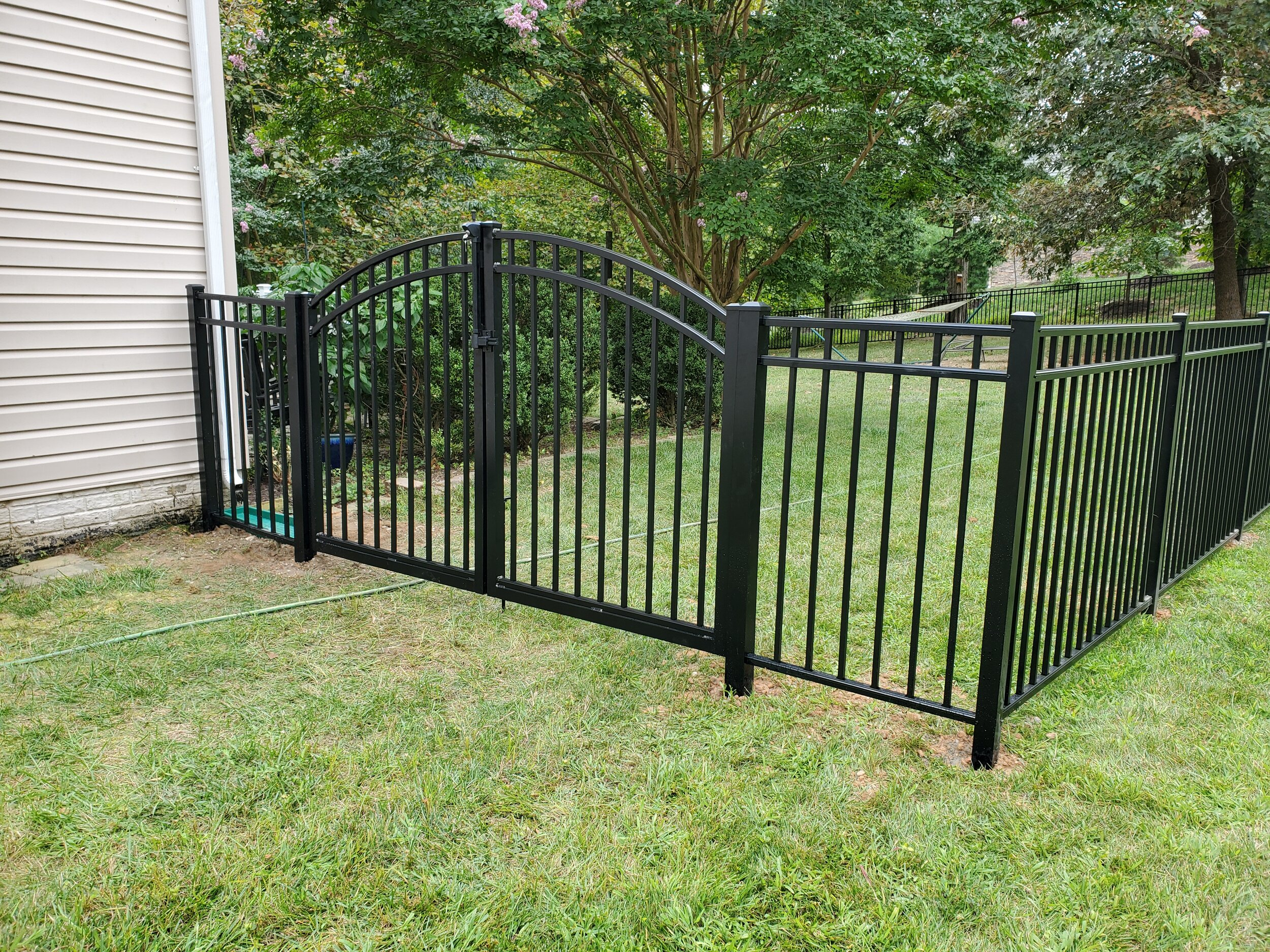 Aluminum Fence with Gate