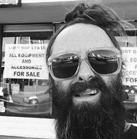 DEAN HOLCOMBE  |    instagram   cutting specialist