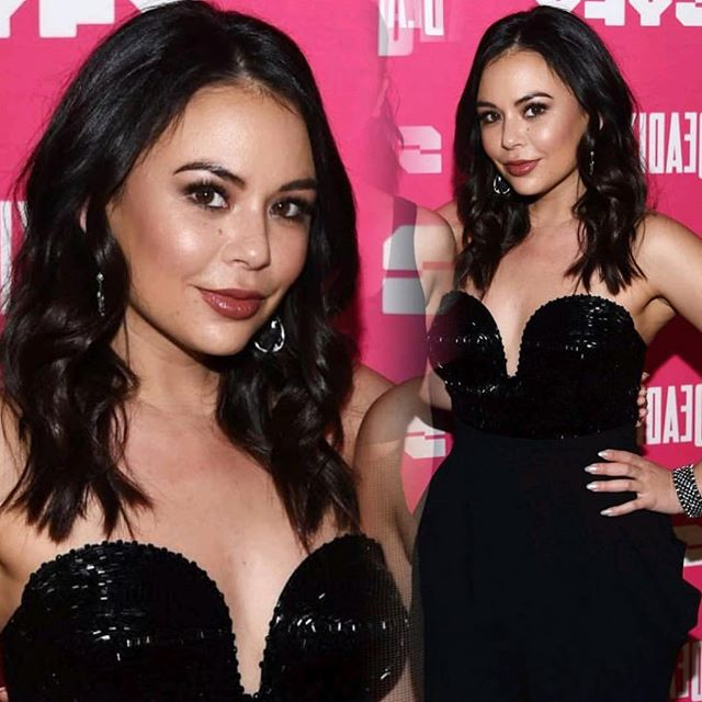 Stunning #hellodarlingmuse @janelparrish  Hair and makeup by the #hellodarlingartteam 💄@makeupartistmichael 💇🏼‍♀️ @karolinakayartistry 👗@lindamedvenestyling
