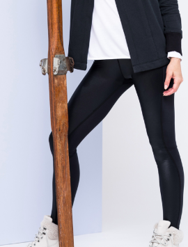 Stay sexy with some shiny black leggings by Peach so you can look fly at work and then hit up hot yoga on your way home! Get ready to see me EVERYWHERE in these in 2019!
