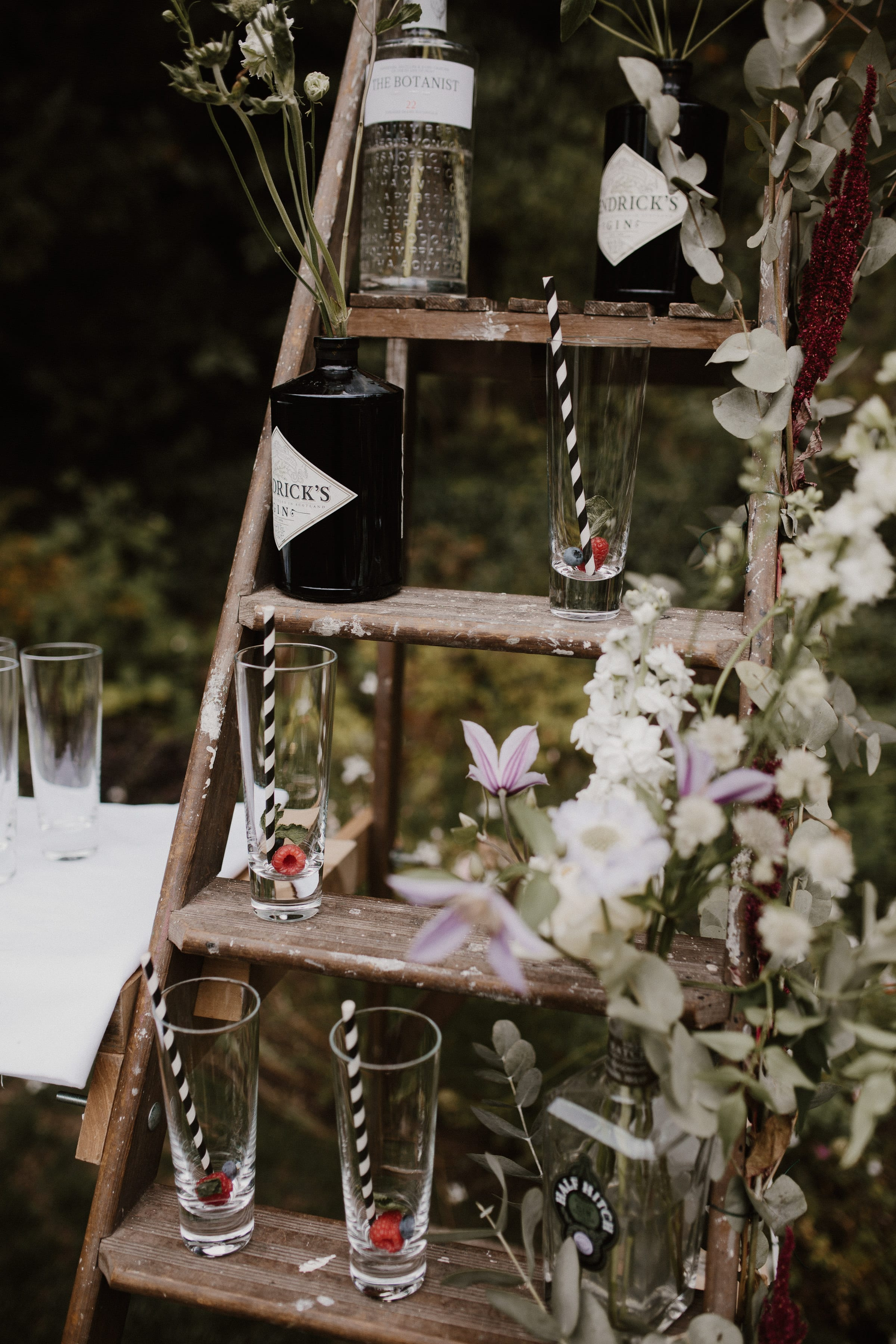 Nat and Tom - 01 - Venue and Details - Sara Lincoln Photography-19-min.jpg